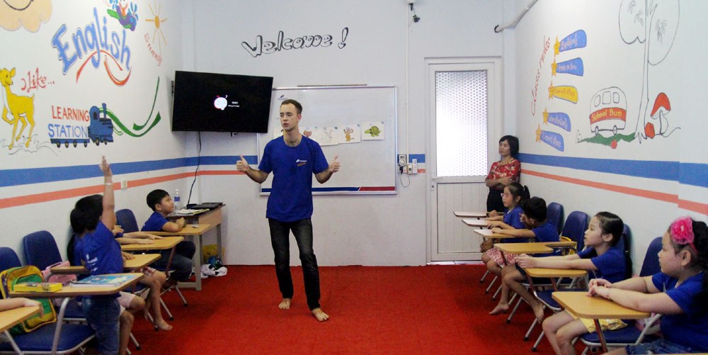Establish short-term English training center