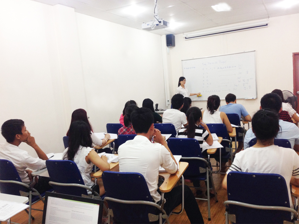Establish short-term Korean training center